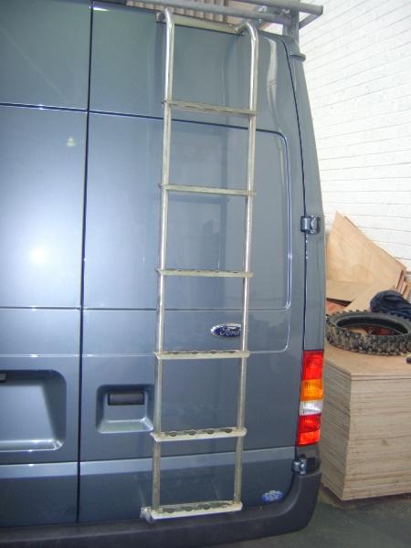 transit-med-roof-rear-door-ladder
